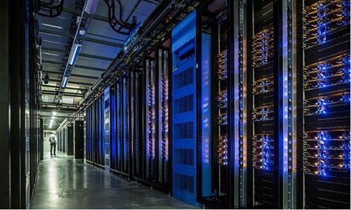 <b>机架式UPS电源采取什么措施能避免数据中心业务中断?</b>